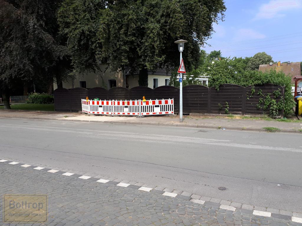 Bushaltestelle - Gehweg repariert