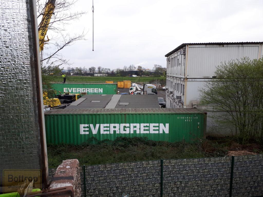Übersee-Container abgebaut