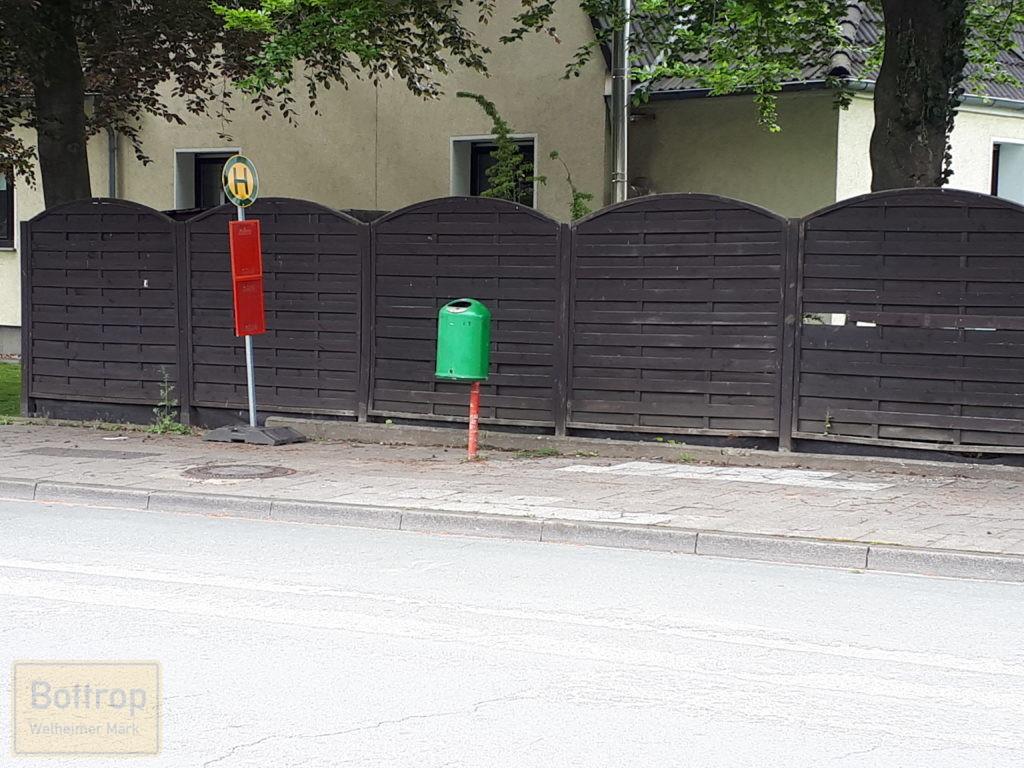 Neue, provisorische Bushaltestelle